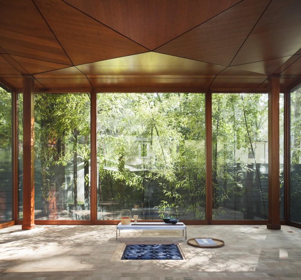 maison de th traditionnelle quinconce. Black Bedroom Furniture Sets. Home Design Ideas
